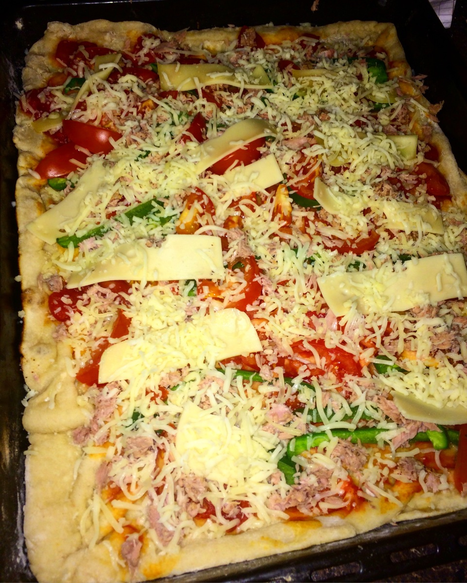 Homemade Pizza with a lot of Love - Pizza Casera con Mucho Amor